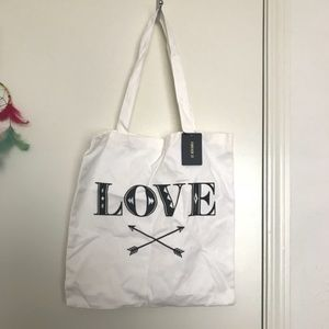 👛'LOVE' Forever 21 tote bag 👛